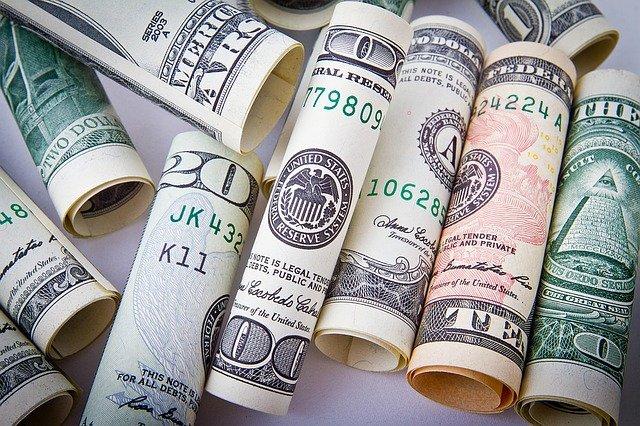 srolované dolary