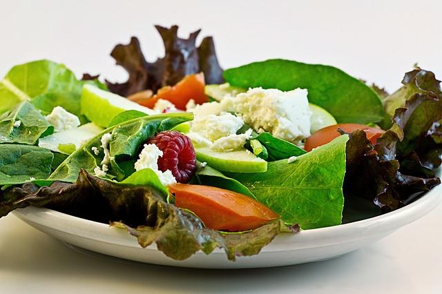salát, ovoce, zelenina, sýr