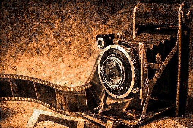 historický fotoaparát.jpg