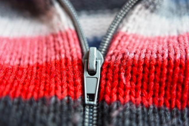 zip svetru