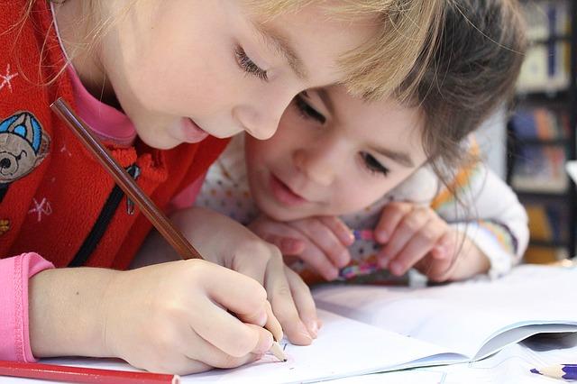 holčičky při malování