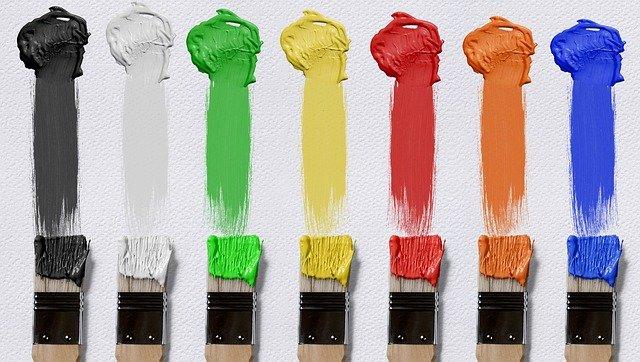 štětce a barvy