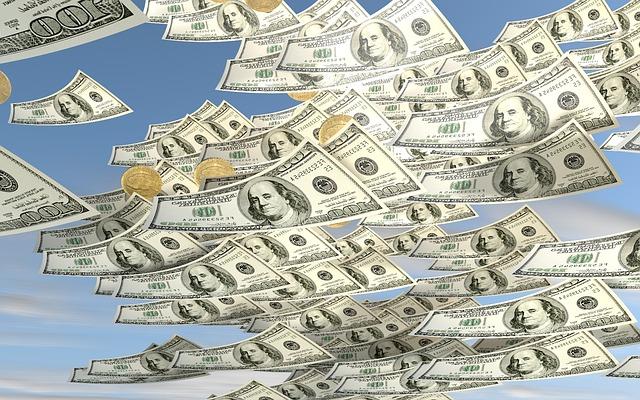 peníze pod oblohou