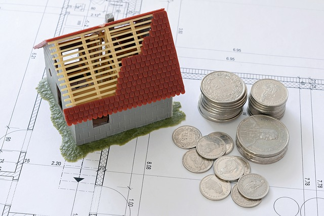 peníze na stavbu domu