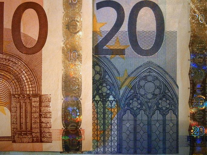 výřez z bankovek